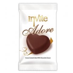 INVITE ADORE prajitura cu glazura de ciocolata si sos ciocolata  60gr